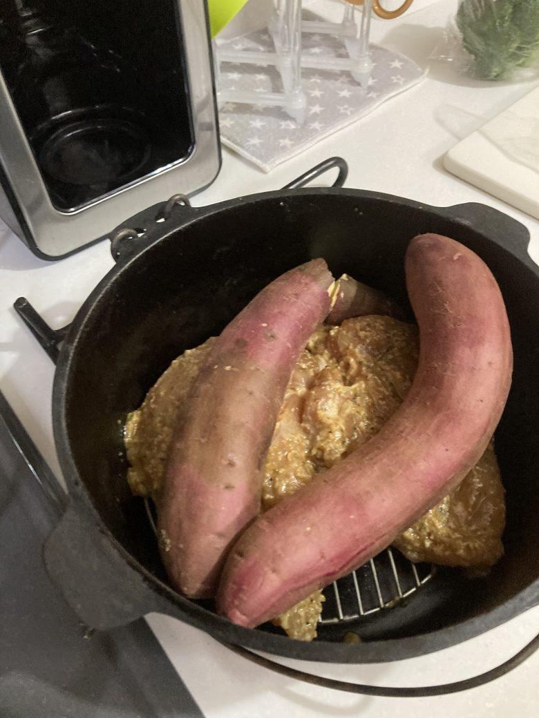 ダッチオーブン さつまいも