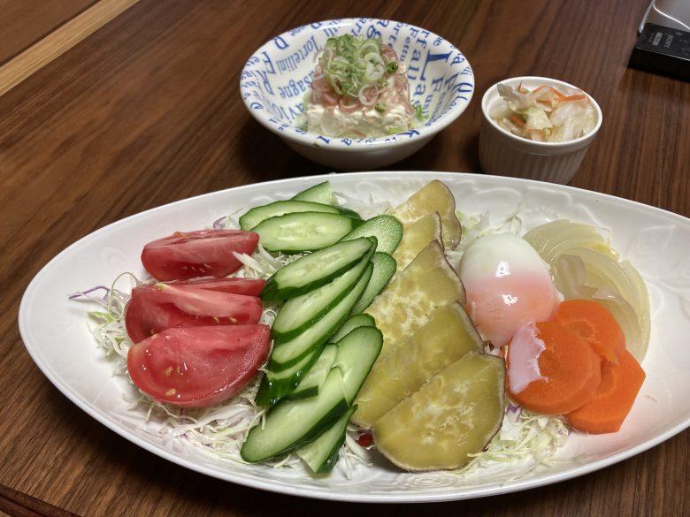 ・冷奴・きゅうりトマト温野菜のサラダ・温泉卵・鳴門金時 2021・6・12